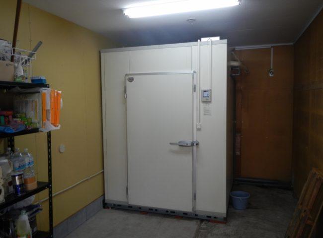 神奈川県藤沢市の「ステーキハウス・俵」様|中古パネルの冷却機器設置