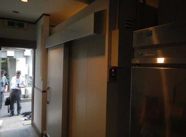 横浜市中華街の某中華料理店|プレハブ冷凍庫の新設工事