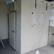 神奈川県茅ヶ崎市の某駅ビル|プレハブ冷蔵庫の新設工事