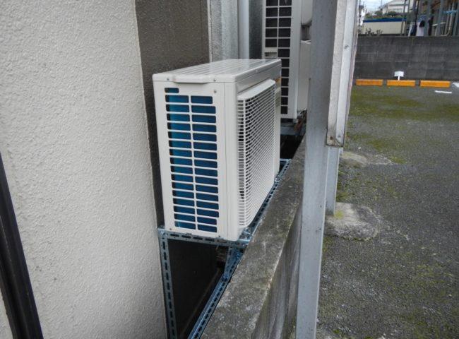 神奈川県座間市のそば屋「寿美吉」 プレハブ冷蔵庫の冷却機器の入替工事