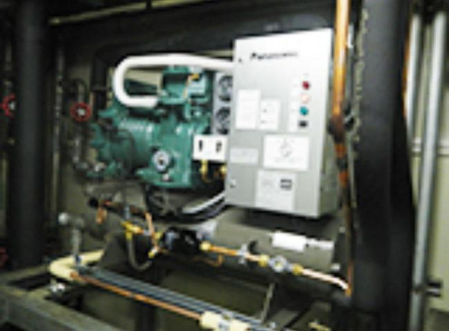 神奈川県横浜市の「横浜そごう」様|バックヤードのプレハブ冷凍庫の冷却機器の入れ替え工事