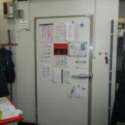 神奈川県横須賀市の某寿司屋 プレハブ冷凍庫の入れ替え工事