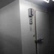 神奈川県湯河原町の某老人ホーム 厨房バックヤードにプレハブ冷凍庫の新設工事