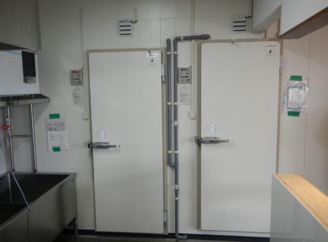 東京都町田市の某ラーメン店 プレハブ冷凍・冷蔵庫の新設工事