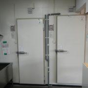 東京都町田市の某ラーメン屋 プレハブ冷凍・冷蔵庫の新設工事