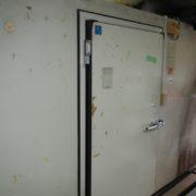 神奈川県横浜市中区の某生花店|プレハブ冷蔵庫2棟の移設工事