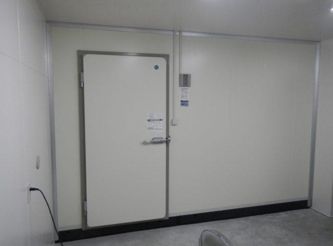 横浜市磯子区の南部市場 プレハブ冷蔵庫の新設工事