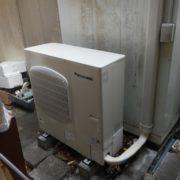 藤沢市江の島の煎餅屋 プレハブ冷凍庫の冷却ユニットのサイクル交換