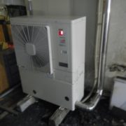 神奈川県三浦市の某ホテル プレハブ冷凍庫の冷却ユニット交換