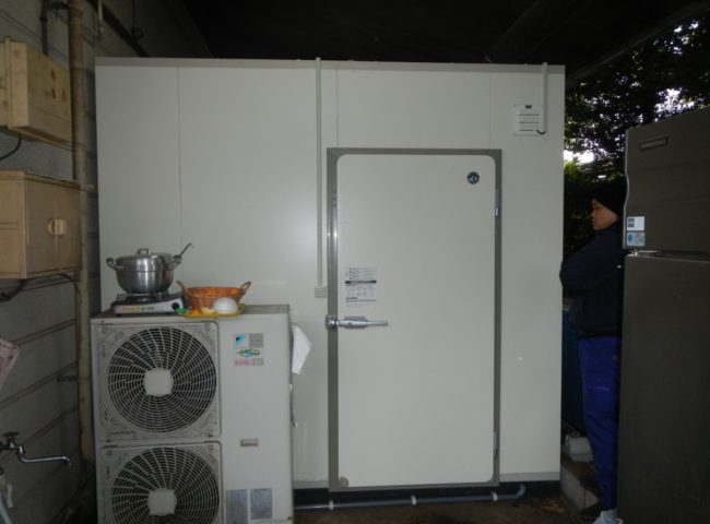 神奈川県大和市の某中華料理店|セントラルキッチン内のプレハブ冷凍・冷蔵庫の新設工事