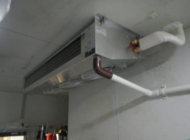 高座郡寒川町の某ファミレス|プレハブ冷凍・冷蔵庫の冷却機器の入れ替え工事