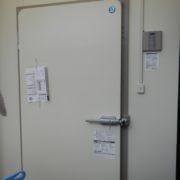 神奈川県平塚市の某給食センター|プレハブ冷蔵庫の入れ替え工事