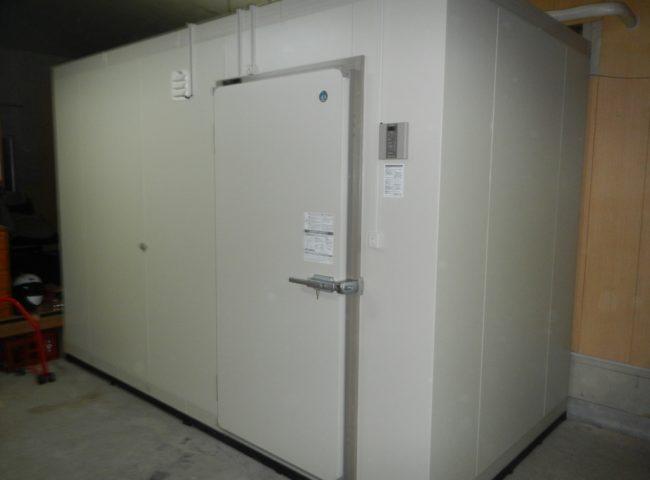 神奈川県横須賀市の某漁船業 プレハブ冷凍庫の新設工事