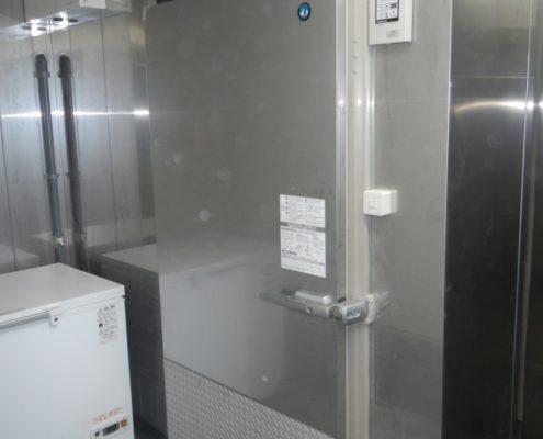 プレハブ冷凍庫・冷蔵庫の新設工事