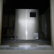 神奈川県藤沢市の某魚卸業|プレハブ型の製氷機の入れ替え工事