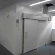 プレハブ冷蔵庫の新設工事