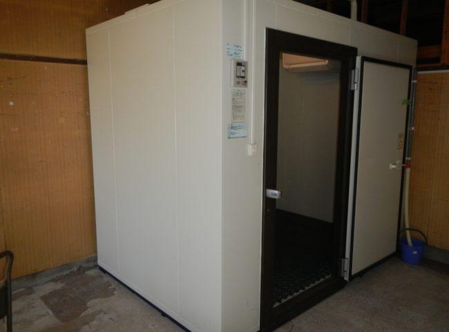 東京都足立区の某業務用の八百屋|プレハブ冷蔵庫の移設工事