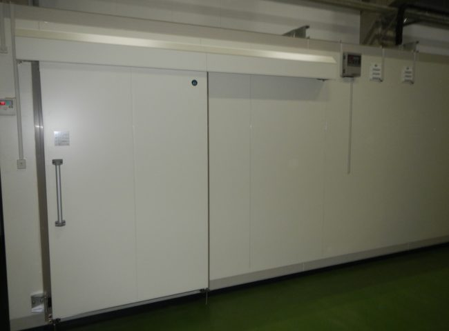 東京都東村山市の某設備メーカー|プレハブ冷凍庫の新設工事