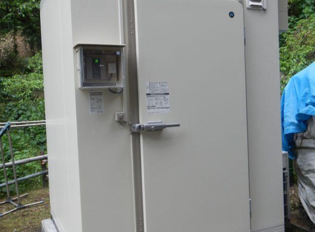 業務用プレハブ冷凍庫の新設工事 神奈川県相模原市の某キャンプ場にて施工