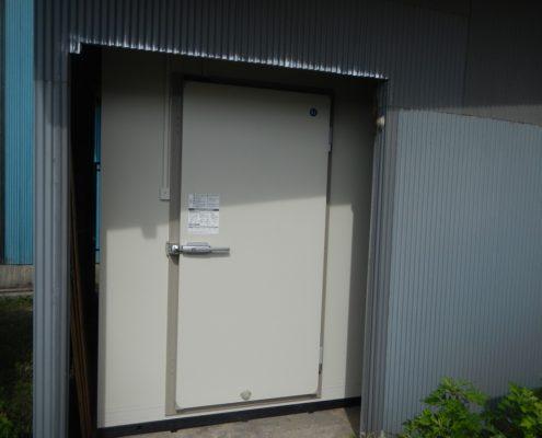 プレハブ冷凍庫の入れ替え工事
