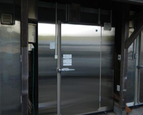 業務用プレハブ冷凍庫の入れ替え