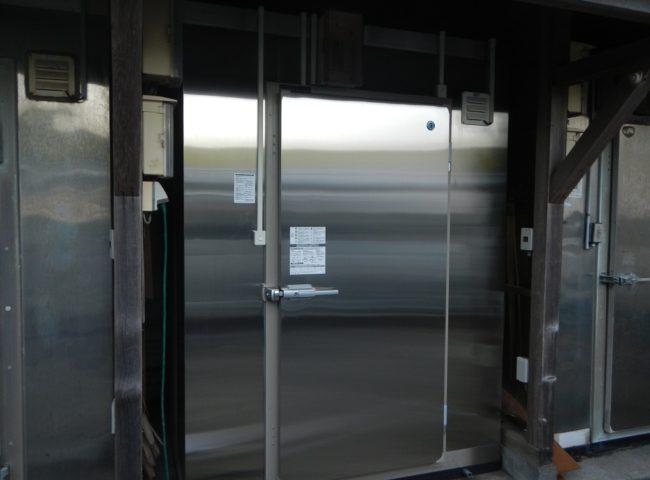 業務用プレハブ冷凍庫の入れ替え工事|神奈川県横須賀市走水の某水産関連会社にて施工