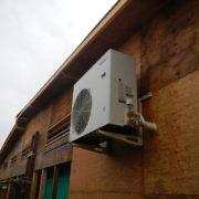 業務用プレハブ冷蔵庫の新設工事|神奈川県鎌倉市の某海の家にて設置