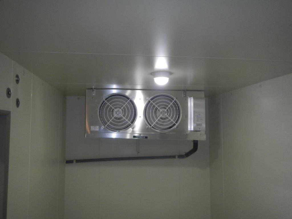 日立製の冷却機器