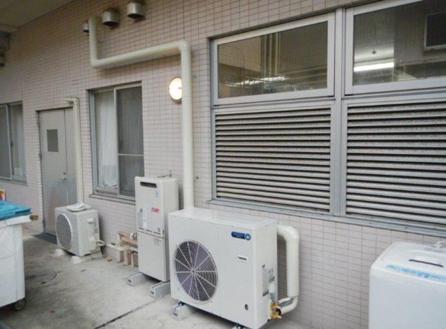業務用プレハブ冷凍・冷蔵庫のサイクル交換工事|神奈川県川崎市の鮮魚店にて施工
