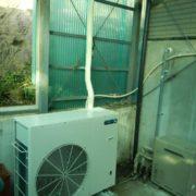 業務用プレハブ冷凍・冷蔵庫の新設工事|神奈川県平塚市の農家にて組み立て工事