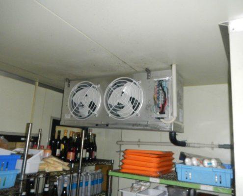 業務用プレハブ冷蔵・冷凍庫のサイクル交換工事